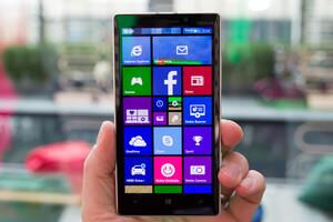 Nokia Lumia 930  дисплей